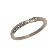 18ct white gold twist ring with diamonds