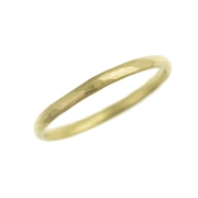 planished 18ct yellow gold wedding band