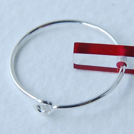 rectangle hoop earrings red detail 1