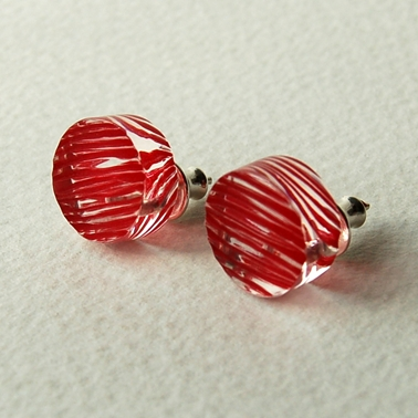red disc stud earrings