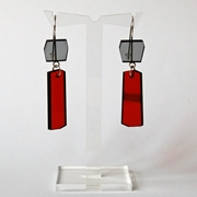 red shard earrings A002