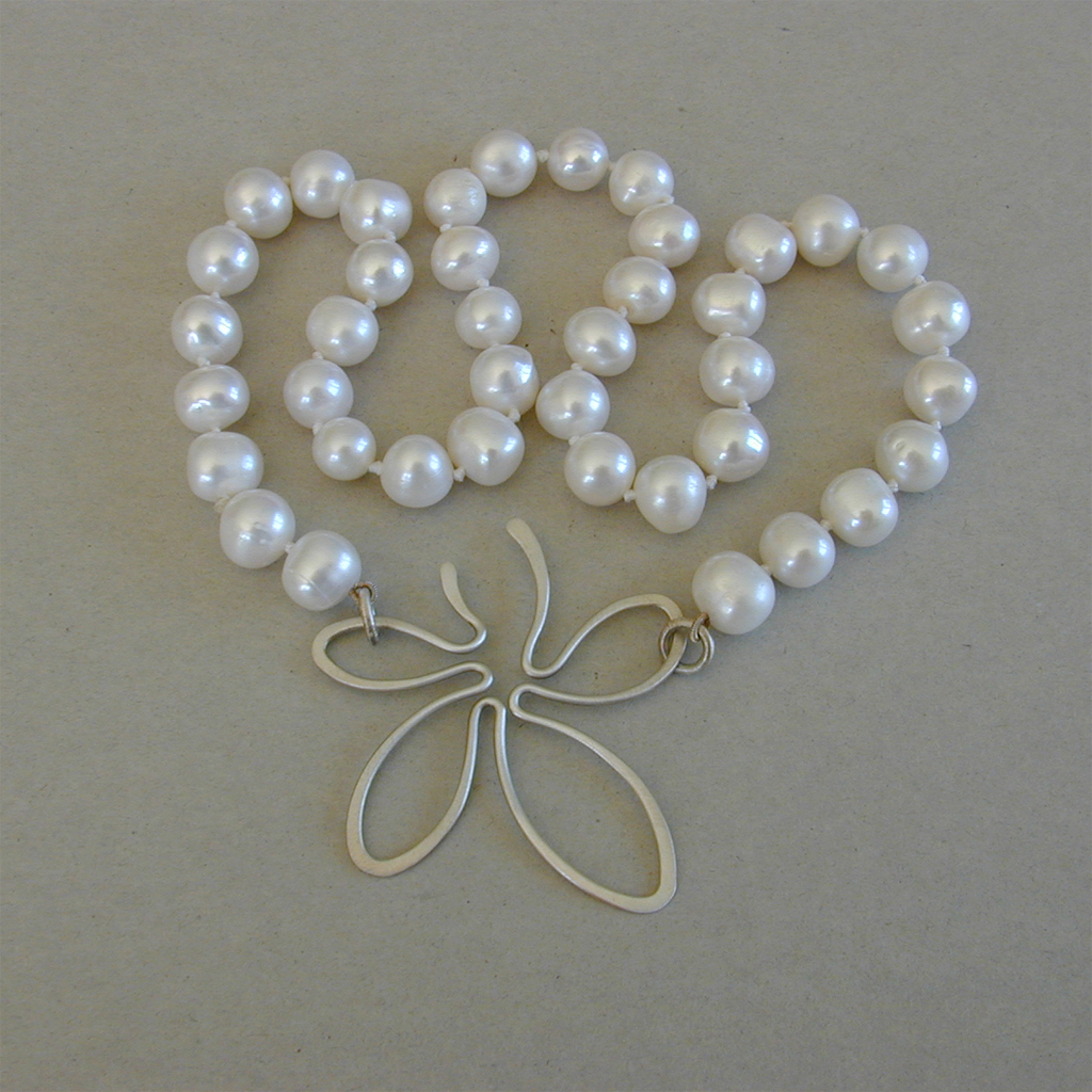 Amusing piece asian pearl necklace theme