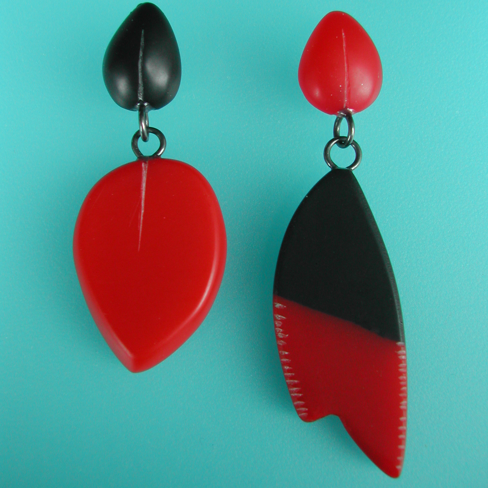 Red And Black Odd Drop Earrings