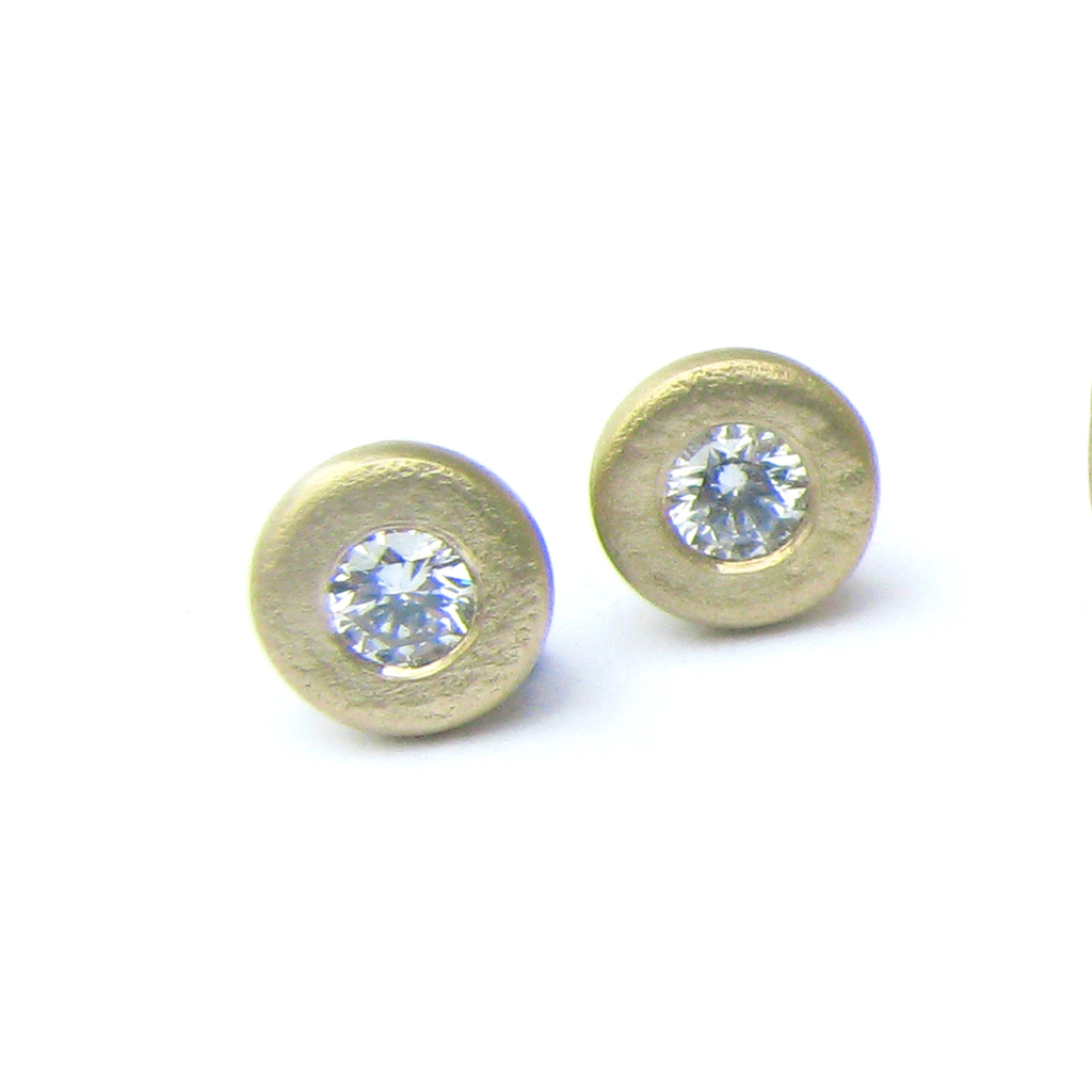 Source · 18ct Gold Textured Diamond Studs