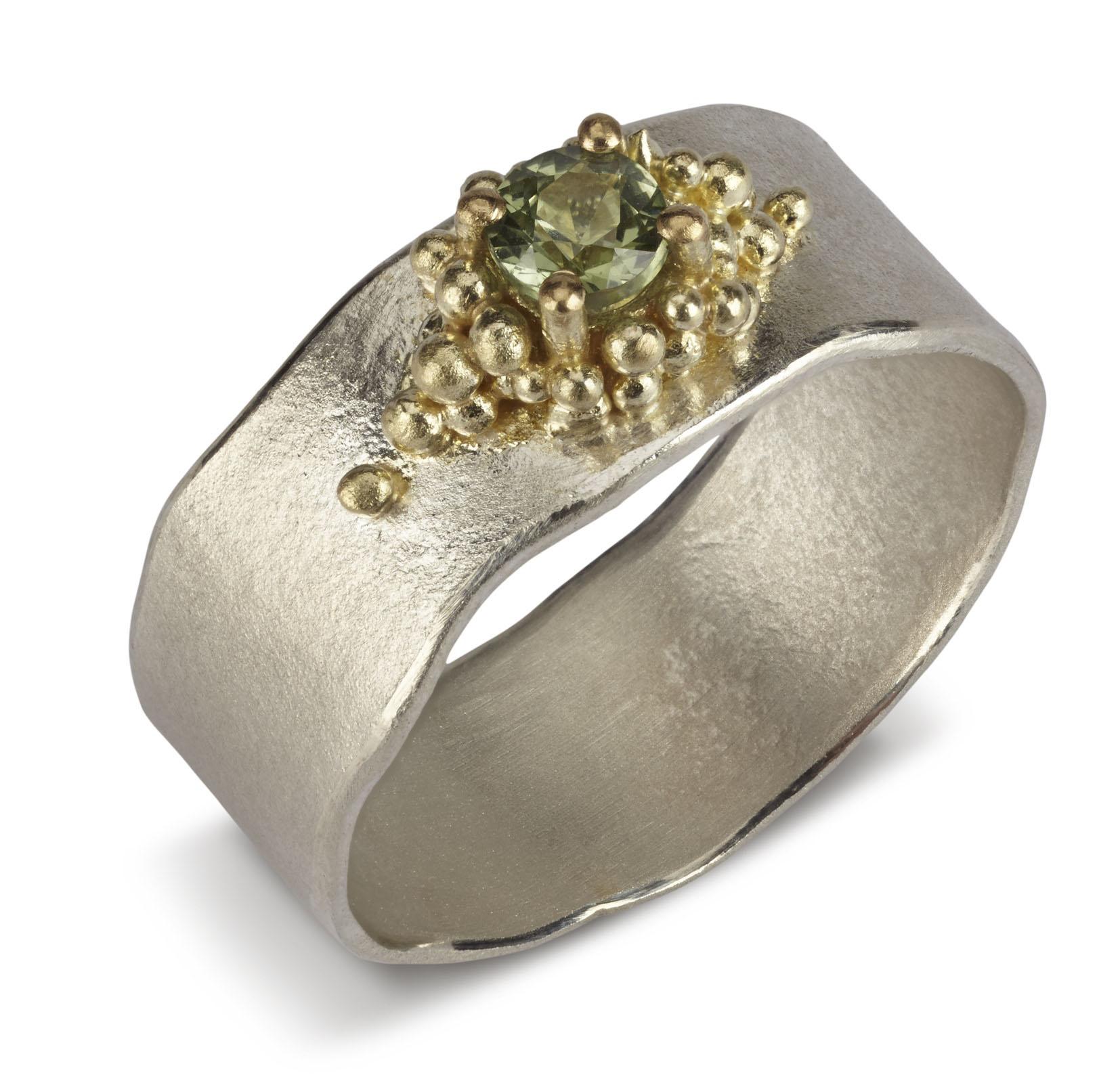 Modern Jewelry Design Ideas: Sapphire Granulated Ring