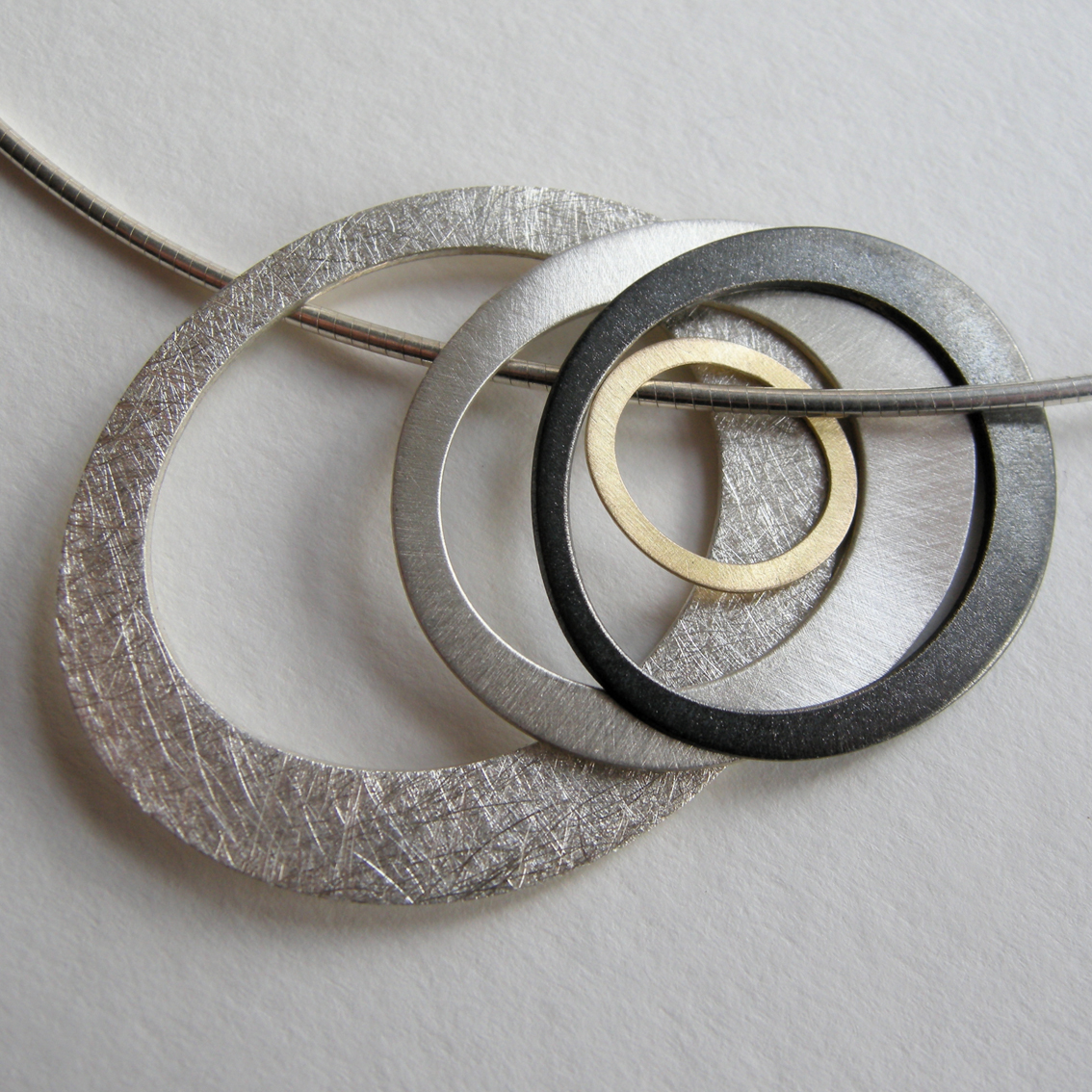 Modern Jewelry Design Ideas: Contemporary Necklaces / Pendants By