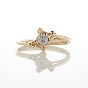Fine Diamond Solitaire Flow 9ct Gold Ring