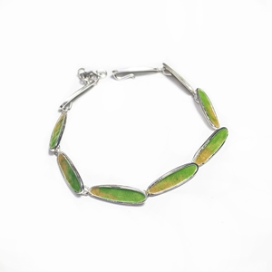Slinky bracelet green and amber
