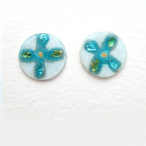Small round earrings / green