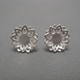 'Snow daisy' earrings