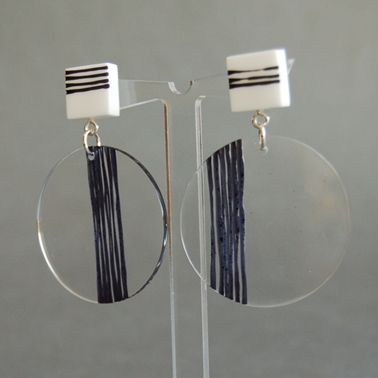 square the circle earrings black