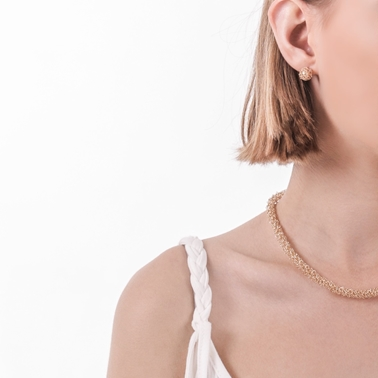 Woven thin gold necklace