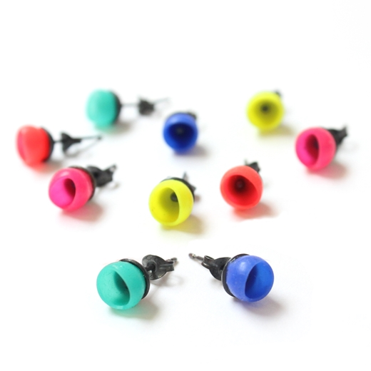 1 cup studs other colours