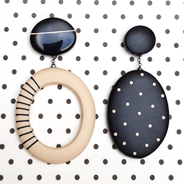 black mismatch large oval earrings