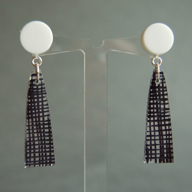 weave long drop black earrings